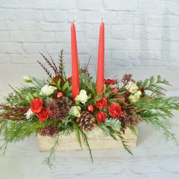 centerpeice christmas candles arrangement