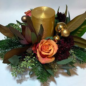christmas gold candle magnolia