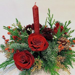 christmas red roses candle berries