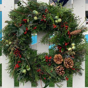 christmas wreath berries cones