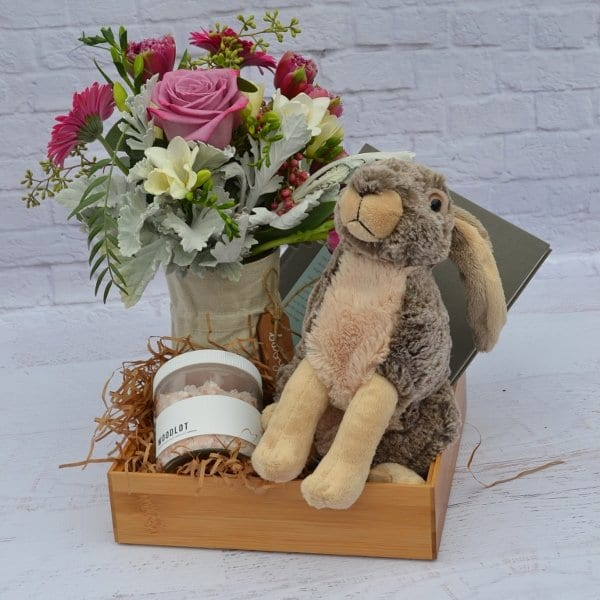 welcome baby gift box 600x600 1