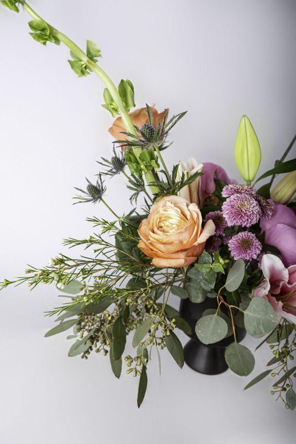 vase arrangment brights top