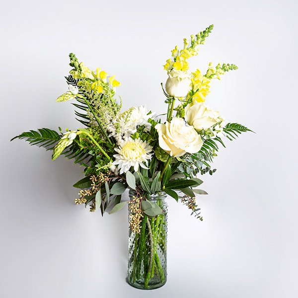 vase arrangment yesllow white green tall glass